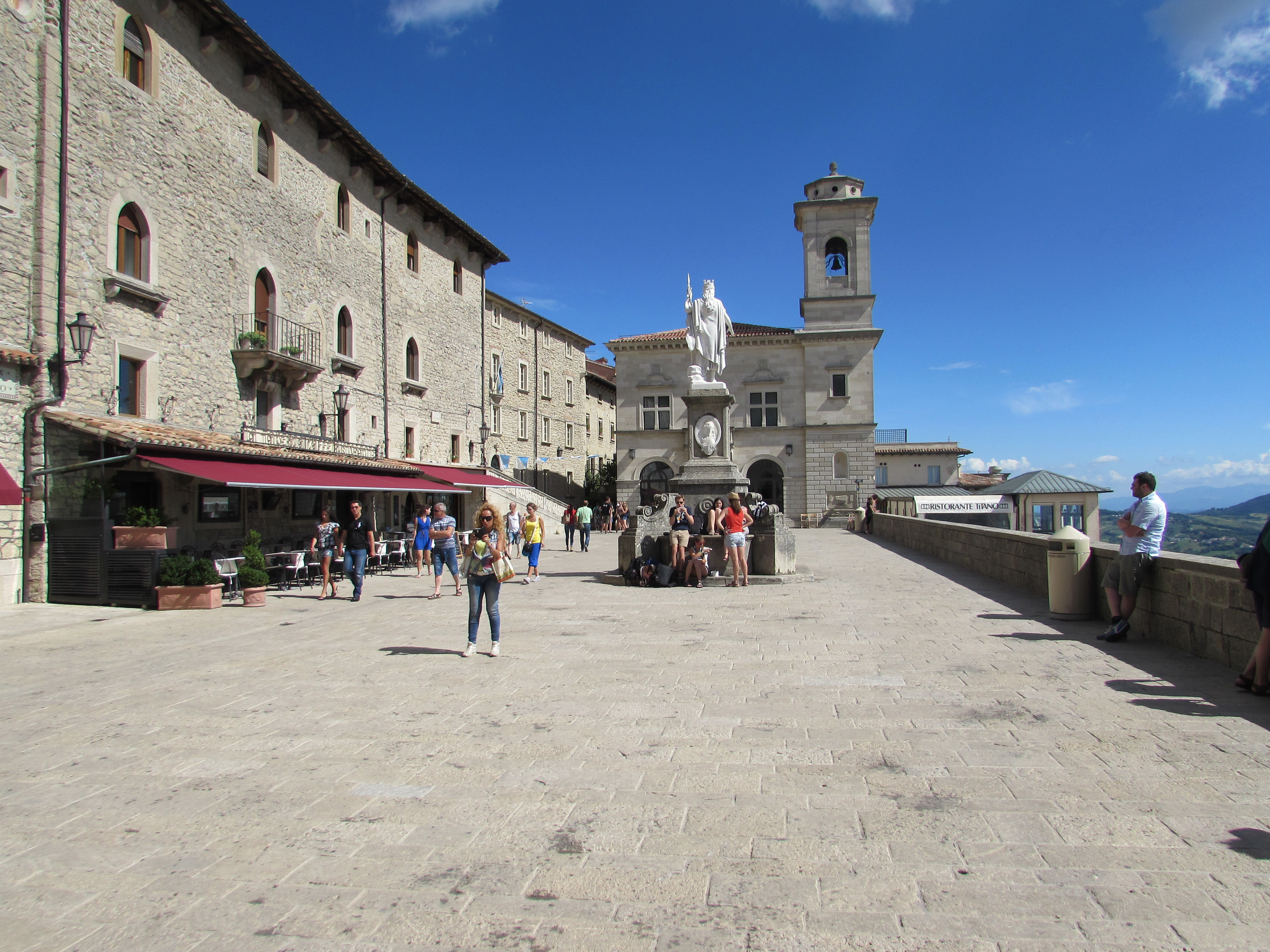 San Marino and the factory outlets - Salvadori Incoming